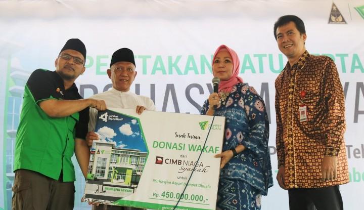 Foto Berita CIMB Niaga Syariah Salurkan Dana untuk Pembangunan RS di Jombang