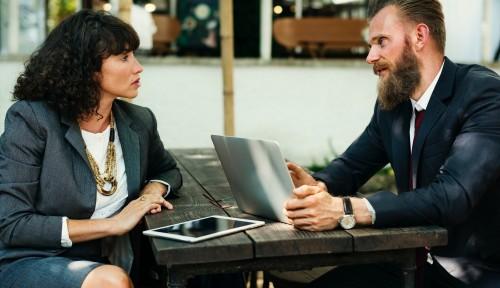 Foto Bangun Jaringan dengan CEO Top Pakai 10 Trik Jitu Ini