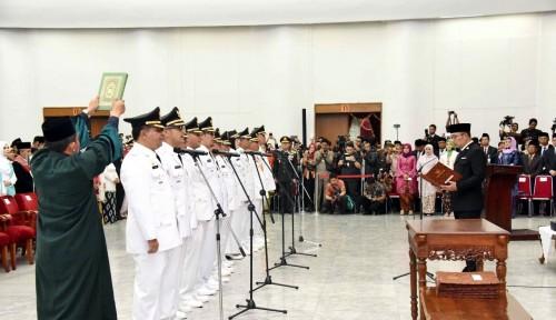 Foto Ini Pesan Ridwan Kamil Bagi Enam Bupati dan Walikota Baru