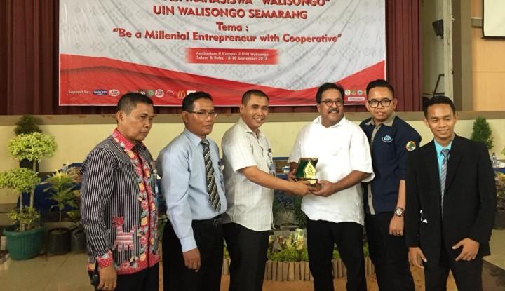 Rano Karno Tumbang saat Lahap Makanan Bersantan Sajian Lebaran - Warta Ekonomi