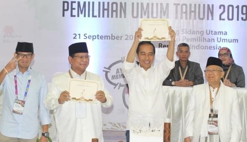 Foto Tagar SandiwaraUno, PKS: Jangan Lupa Poster 'Raja Jokowi'