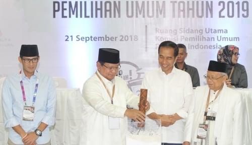 Foto Ma'ruf Pakai Ayat Al-Quran di Debat, Sandiaga Pakai Ini