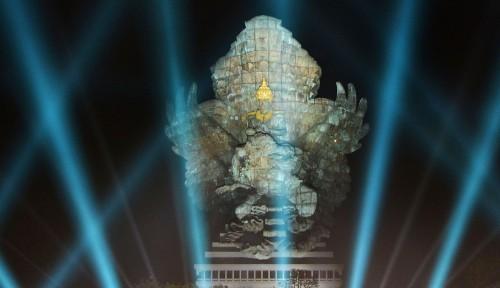 Foto Patung Tertinggi ke-3 di Dunia Bernama GWK