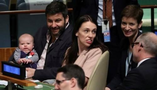 Foto Mengintip Keseruan PM Selandia Baru dan Sang Buah Hati di Majelis Umum PBB
