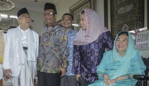 Foto Bertemu di Rumah Gus Dur, Kiai Ma'ruf Sama Mahfud MD