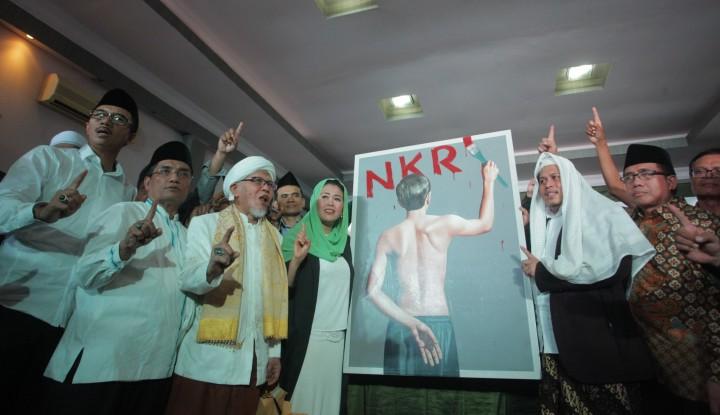 Foto Berita Ada Jasa Luhut di Balik Dukungan Yenny ke Jokowi?