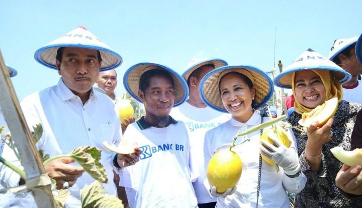 Menteri Rini Kunjungi Petani Difabel di Lamongan - Warta Ekonomi