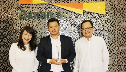Foto Bank Danamon Raih Penghargaan Best Digital Bank dari Asiamoney