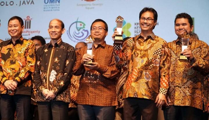 Foto Berita Semen Indonesia Dapat Penghargaan dari Jonan