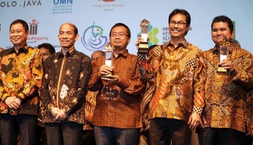 Foto Semen Indonesia Dapat Penghargaan dari Jonan