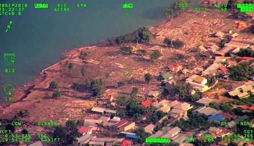 Foto Pasha Ungu Masih Trauma Akibat Gempa Palu