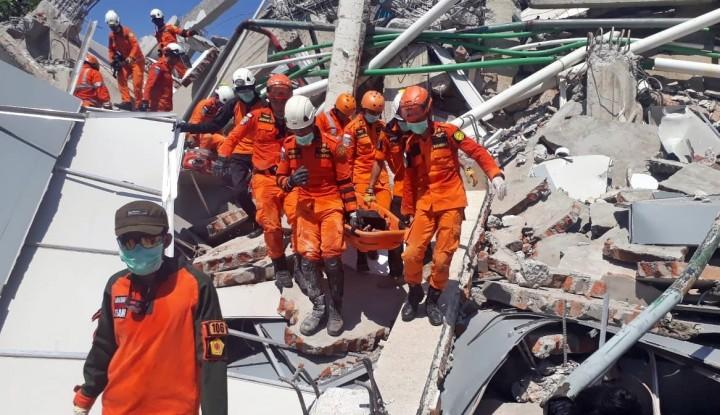 Evakuasi Korban Tsunami, Basarnas Kekurangan Kantong Mayat - Warta Ekonomi