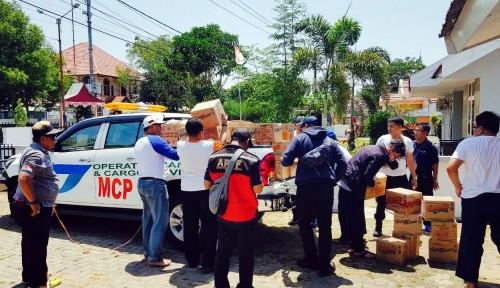 Foto Manajemen Bandara Hasanuddin Turut Bantu Korban Gempa dan Tsunami di Palu