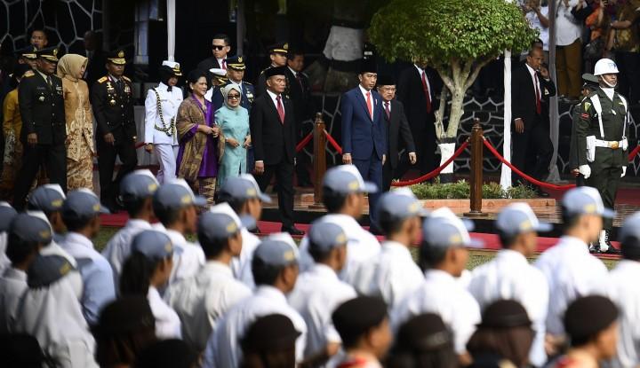 Foto Berita Instruksi Jokowi: Kirim Makan Sebanyak-banyaknya ke Sulteng