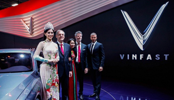 Foto Berita David Beckham Launches VinFast at the Paris Motor Show