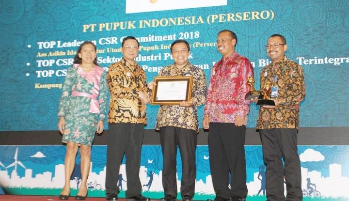 Foto Berita Pupuk Indonesia Raih Tiga Penghargaan di Ajang Top CSR 2018