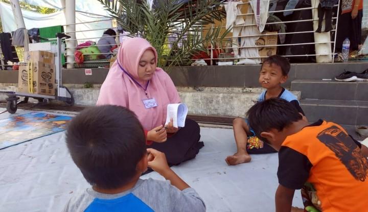 Anak-anak Korban Tsunami Jalani Trauma Healing - Warta Ekonomi