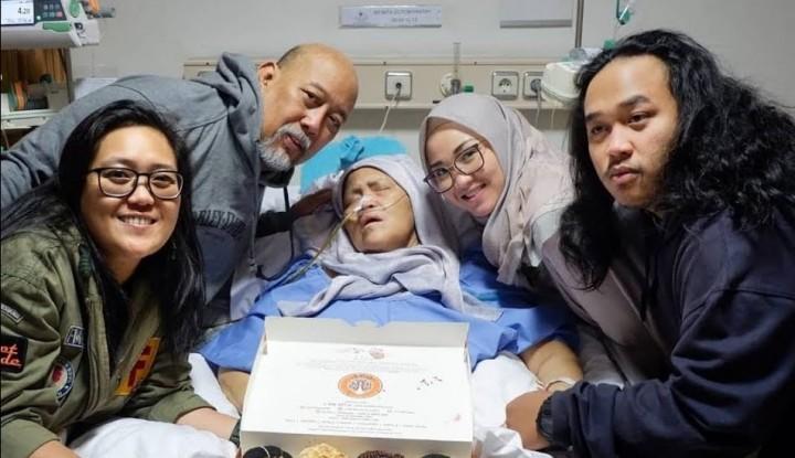 Foto Berita Istri Indro Warkop Akan Dimakamkan di Karet Bivak