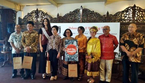 Foto Luncurkan Buku, Kristin Samah: Ini Apresiasi untuk Ibu-Ibu Tangguh