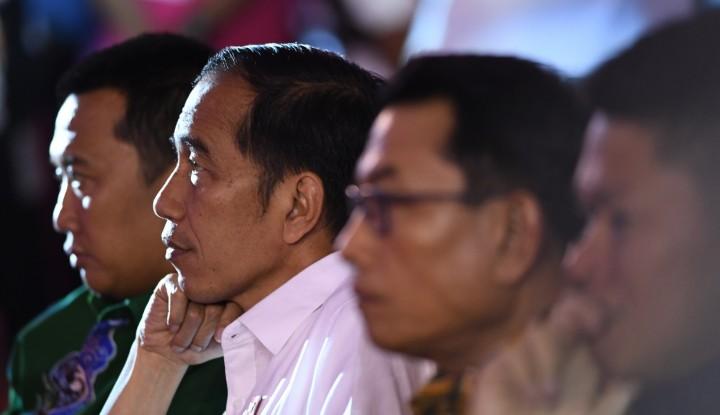 Foto Berita Anak Muda Berikan Komentar Empat Tahun Jokowi, Jawaban Istana Bikin Geleng-Geleng