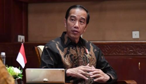 Foto Jokowi Akan Evaluasi Bank Wakaf Mikro