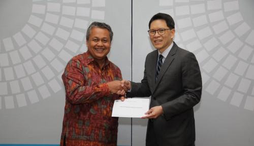 Foto Bank Sentral Thailand Serahkan Bantuan untuk Lombok dan Sulteng