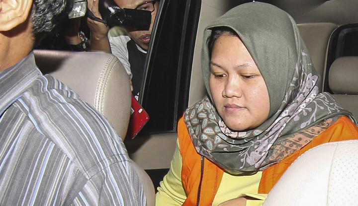 Foto Berita Ditahan KPK, Bupati Bekasi Sedang Berbadan Dua?