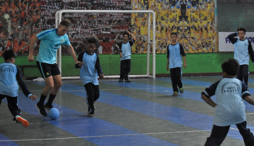 Foto Australian Young Socceroos U19s Visits Jakarta