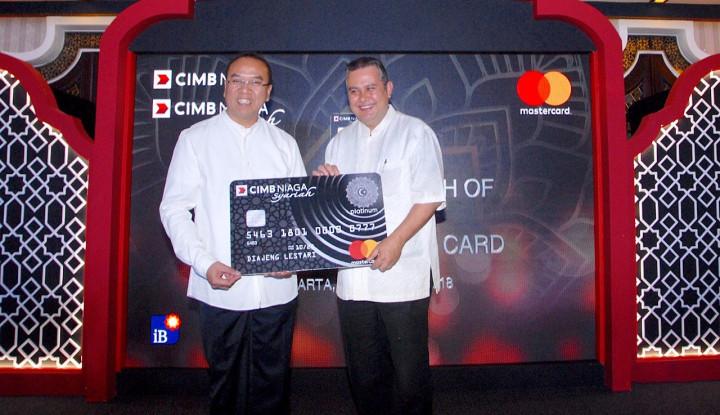 """Foto Berita CIMB Niaga Luncurkan """"CIMB Niaga Syariah Platinum Card"""""""