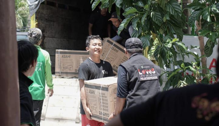 Foto Berita Dompet Dhuafa Salurkan 165 Genset ke Sulteng