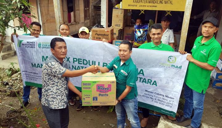 Foto Berita Monex Berikan Bantuan untuk Korban Banjir di Madina Sumut