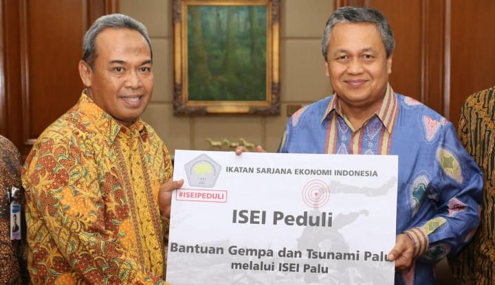 Foto Berita ISEI Peduli Beri Bantuan Pendidikan untuk Bencana Palu