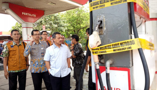 Foto Kemendag Segel Dua SPBU di Bandung
