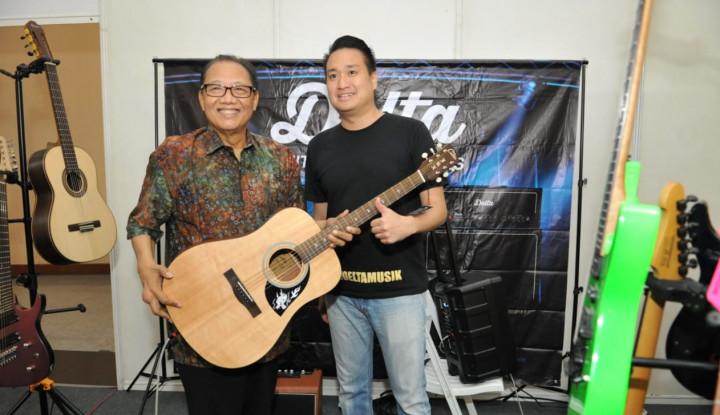 Foto Berita Menkop UKM Ajak Masyarakat Belanja Alat Musik Lokal di Smesco Music Expo