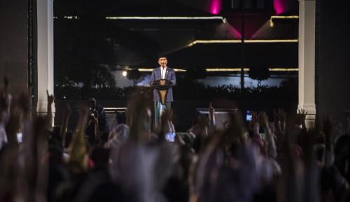 Foto Jokowi: Keutuhan Negara Tak Lepas dari Peran Ulama dan Santri