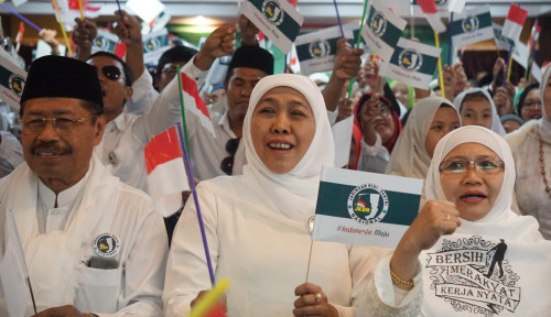 Foto Di Malaysia. Khofifah Promosikan Jokowi