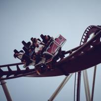 Kocak! Usai Dibuka Kembali, Penumpang Roller Coster di Taman Hiburan Ini Dilarang Berteriak