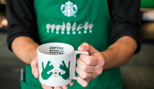 Foto Starbucks Buka Gerai 'Bahasa Isyarat' Pertama di Washington