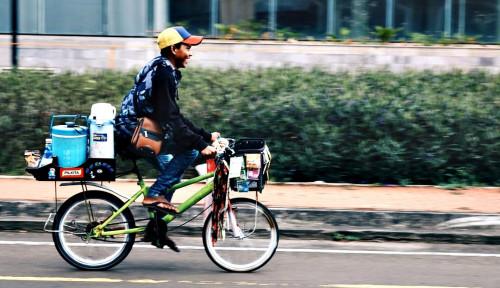 Foto Starling: Memutar Roda Ekonomi di Sepanjang Jalan