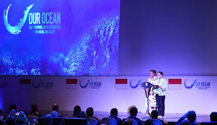 Foto Berita OOC, Danone Aqua Luncurkan Kemasan Botol Daur Ulang