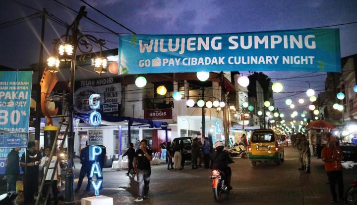 Foto Berita Go-Jek Dukung Bandung Smart City Lewat Cibadak Culinary Night