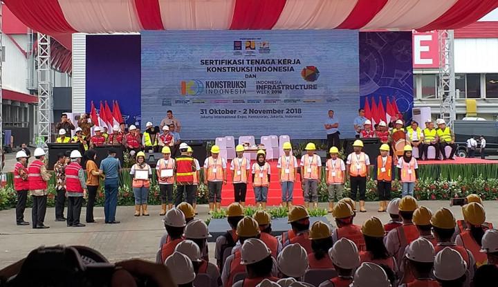 Foto Berita Masif Bangun Infrastruktur, Jokowi Minta Utamakan Keselamatan