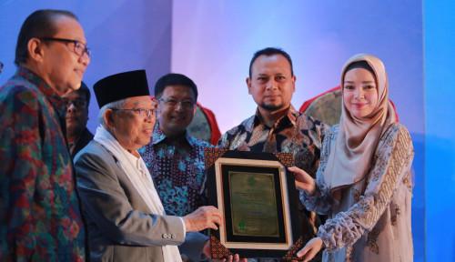 Foto Wardah Shampoo Sabet Penghargaan Halal Top Brand 2018 dari MUI