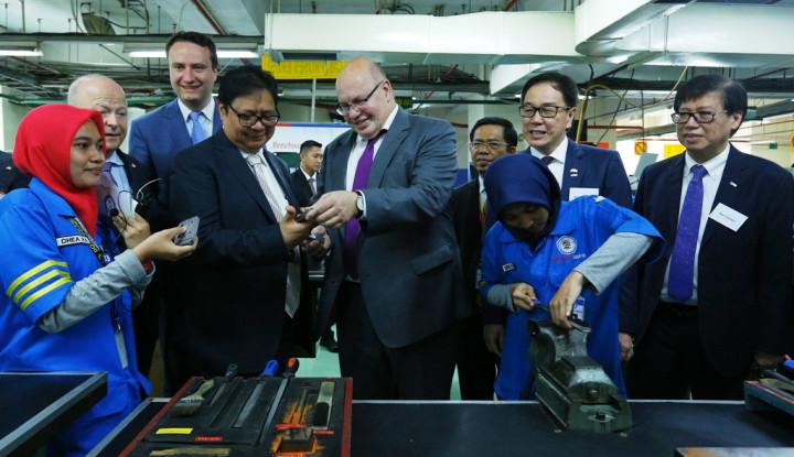 Foto Berita Dukung Kemajuan Vokasi Indonesia, Menteri Ekonomi Jerman Kunjungi Astra