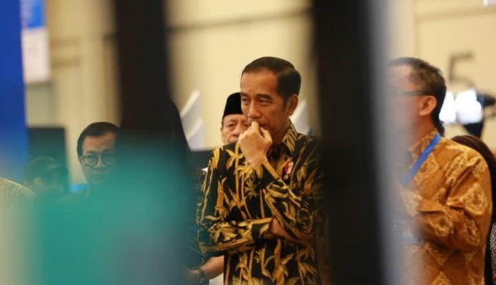 Foto Berita Jokowi Beli Batik di Pasar Pekalongan, Tak Mau Ambil Kembalian