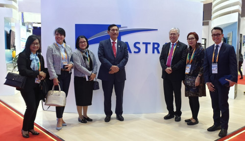 Foto Dukung Road to Dubai 2020, Astra Hadir di China International Import Expo 2018 Shanghai