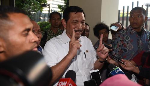 Foto Luhut Bantah Harga BBM Turun Demi Jokowi 2 Periode