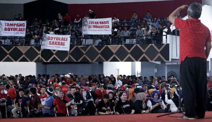 Foto Berita Bupati Boyolali Dilapor Karena Prabowo, Lihat yang Dibuat Pendukungnya