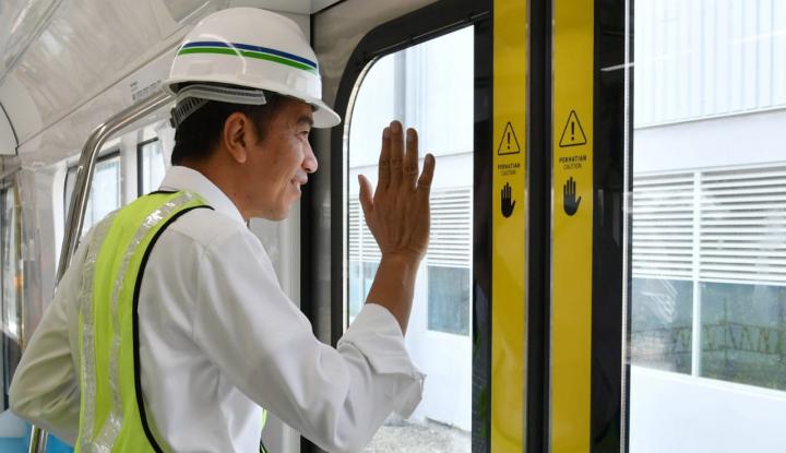 Foto Berita Jokowi: Bangun Transportasi Massal Butuh Keberanian