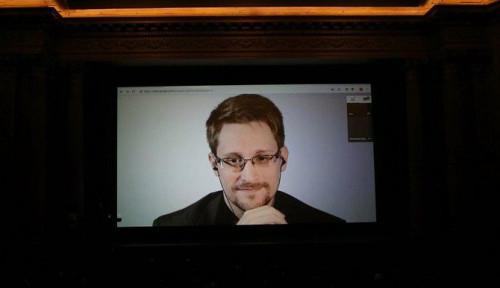 Foto Edward Snowden Beri Peringatan kepada Warga Israel